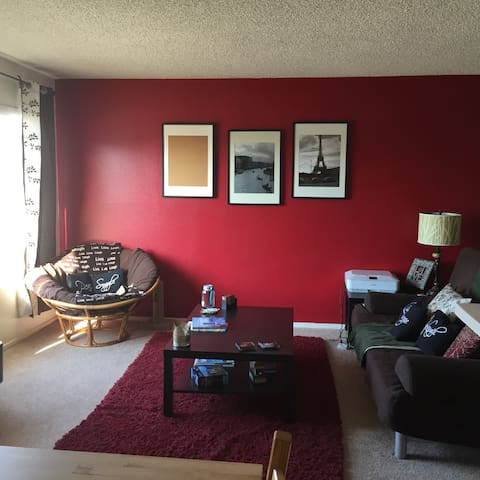 Shared room in cute apartment! - Los Angeles - Wohnung