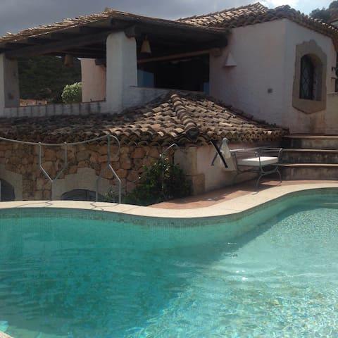 villa unifamiliare con piscina - Cannigione - Villa