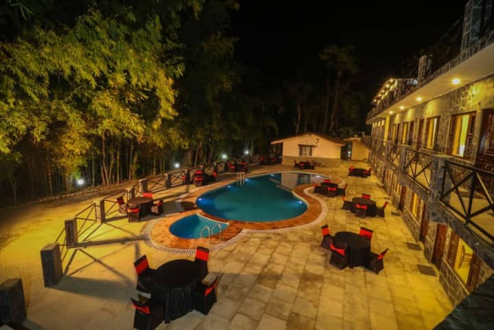 2 Private Cottage with Garden  View Jim Corbett