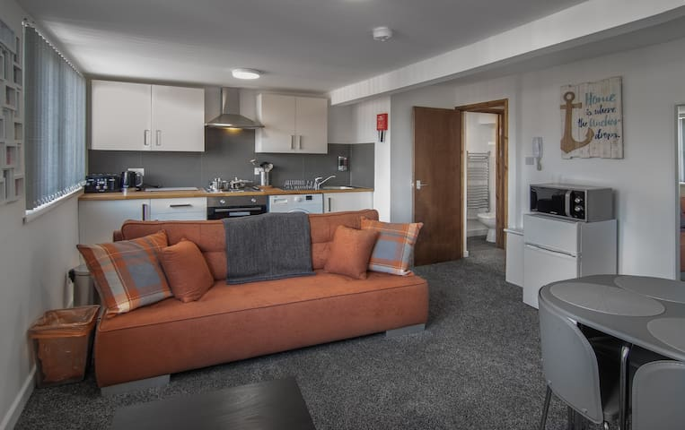mango serviced apartments - 6 MINUTE WALK to PLEASURE BEACH