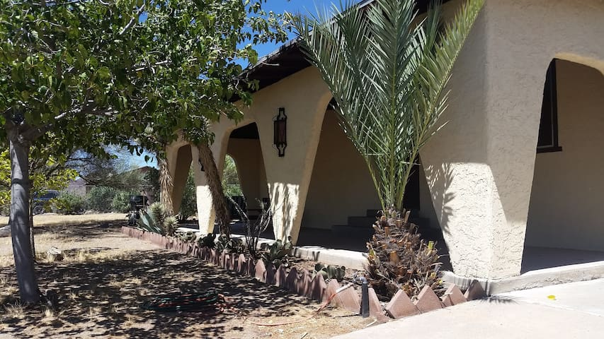 Desert Retreat - Dolan Springs - Hus