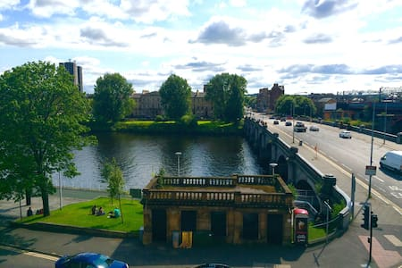 Stunning views and super central. - Glasgow