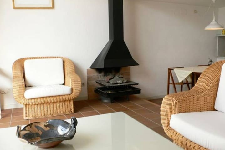 Bright seaside house Cadaques, large and airy!