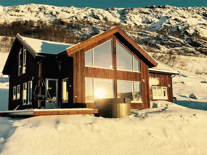 Amazing Mountain Chalet near Trolltunga