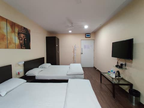 AC bedroom with 2 beds in Koregaon park.