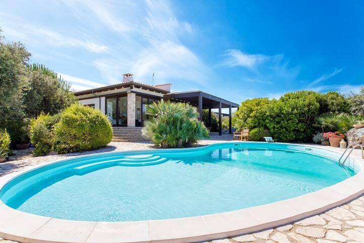Alghero Villa Eliseo per 12 vista mare con piscina