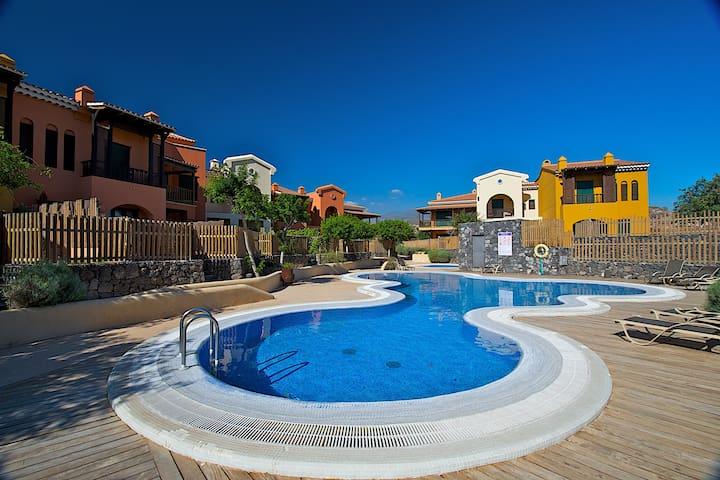 Villa 180 m2 with 3 bedrooms + garden/pool/garage