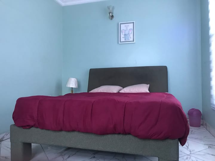 Private bedroom with 24hour electricity in Ikoyi
