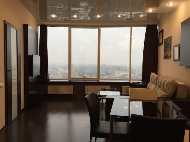 High-floor 1-bedroom apartment in Most-City