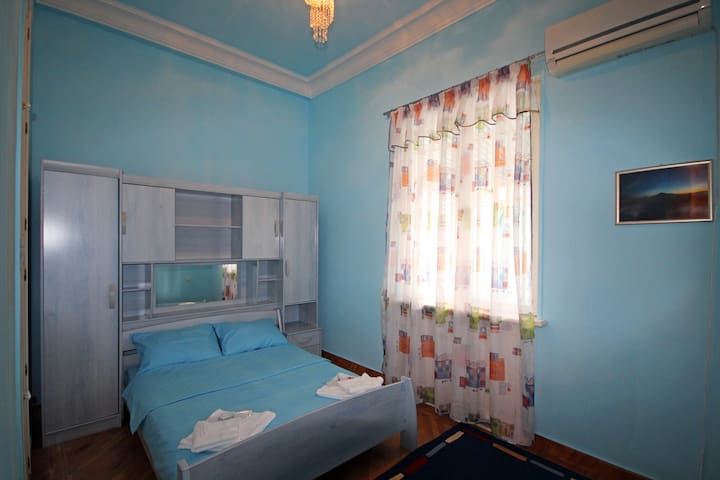 Deluxe Double BLUE - Ereván - Bed & Breakfast