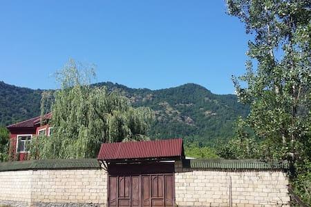 Xalifa in Qabala