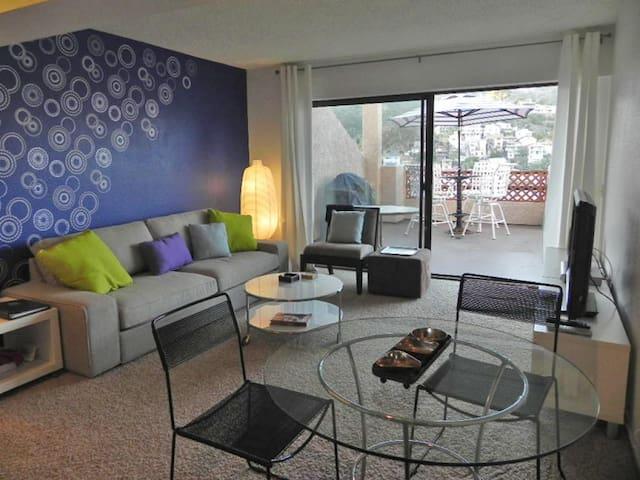 Contemporary New Decor, Balcony, Hillside  Ocean Views, WIFI - Bahia Vista - C58