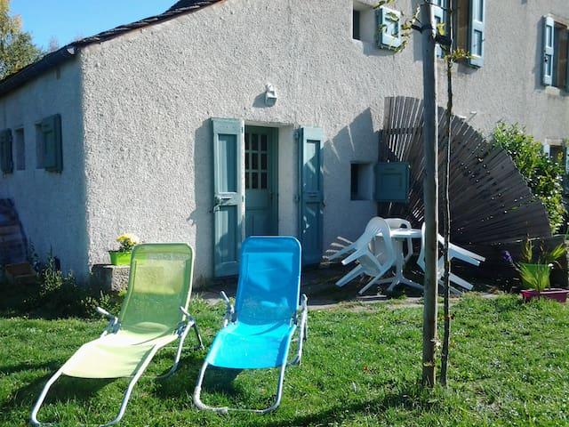 T1  MAISON AU PIED DE LA RIVIÈRE DANS LES CÉVENNES - Bagnols-les-Bains - Apartment