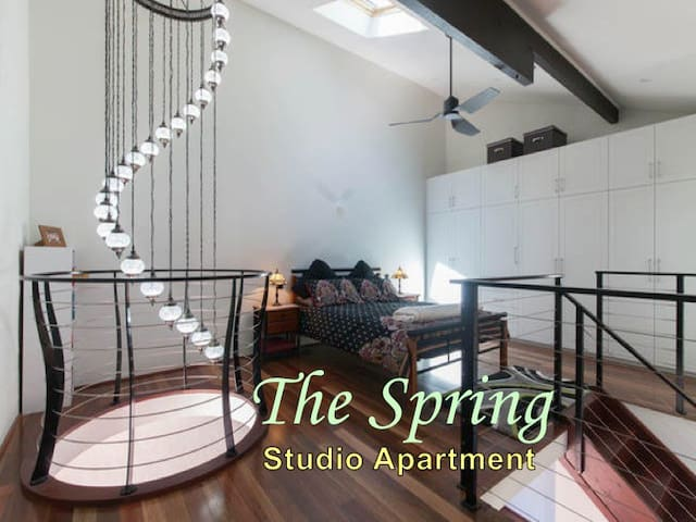 THE SPRING apartment in the hills - เพิร์ธ