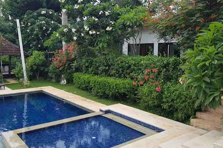 Lucca Home, Close to Bandengan Beaches