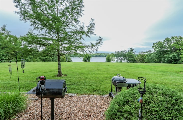 Gorgeous 3 Bedroom 3.5 Bathroom Condo with Gorgeous View of Lake Aspen