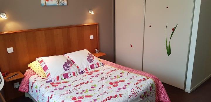 Hotel Au Bosquet Fleuri - Chambre Coquelicot