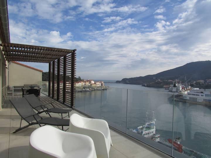 Penthouse de 100 m2 vue mer et port, ascenseur
