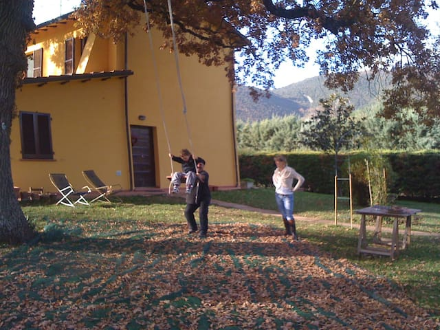 Umbria, Country house. Kids 11 & 9 - Pierantonio - Haus