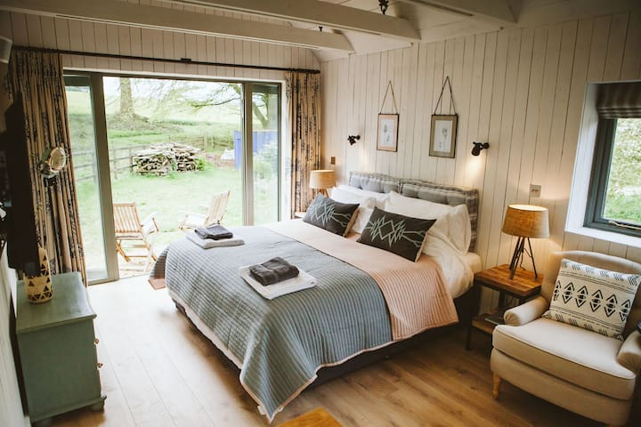 New! The Barn at North Lodge. Rustic Luxury