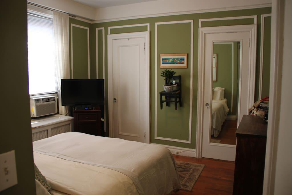 Master bedroom photo #2