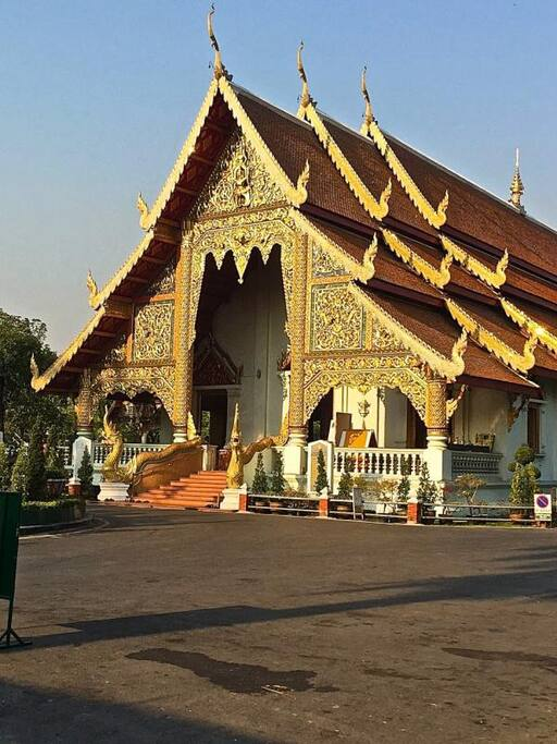you are a 3 minute walk to wat phra singh