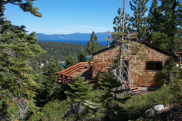 LUXURIOUS LAKE VIEWS, WALK to TAHOE - Tahoma - Sommerhus/hytte