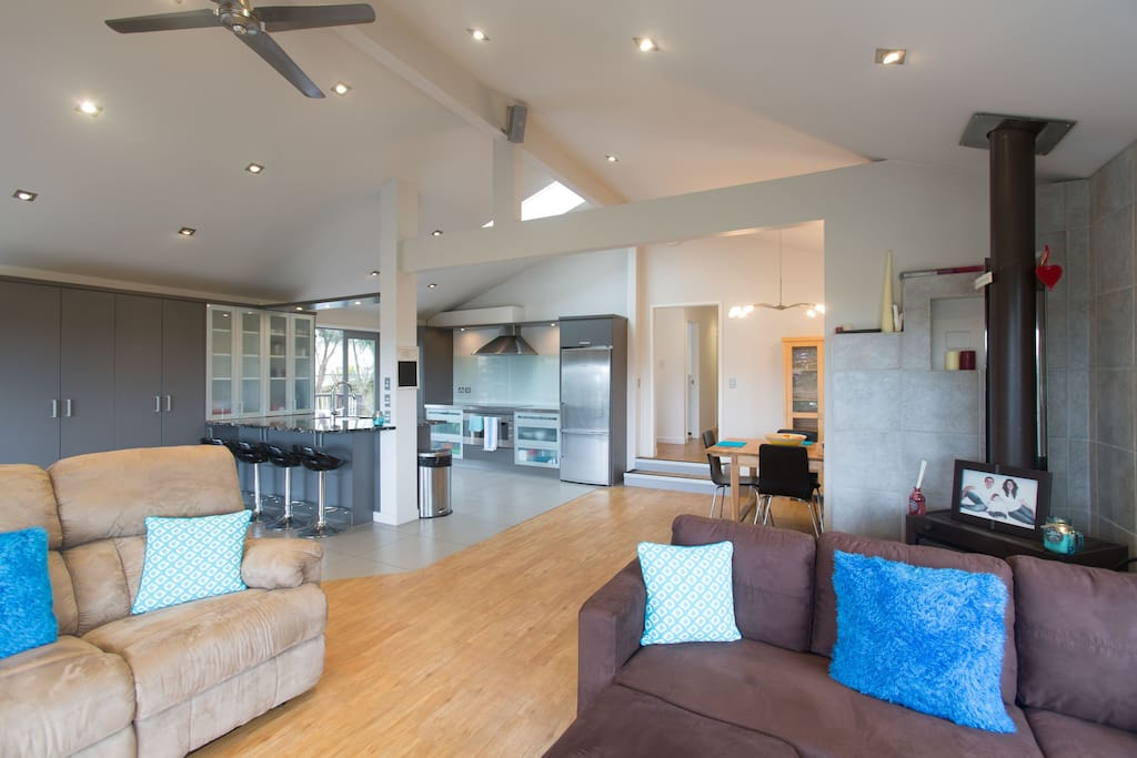 Large open plan living, kitchen and dining area