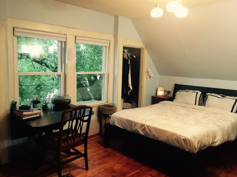 Cozy Attic Bedroom In Allston Houses For Rent In Boston Massachusetts Uni