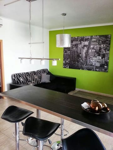Benfica House/ free Wifi/ parking outside Free - Lisbon - Apartment