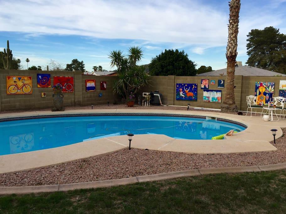 Refreshing pool, private walled backyard.Swimwearoptional.