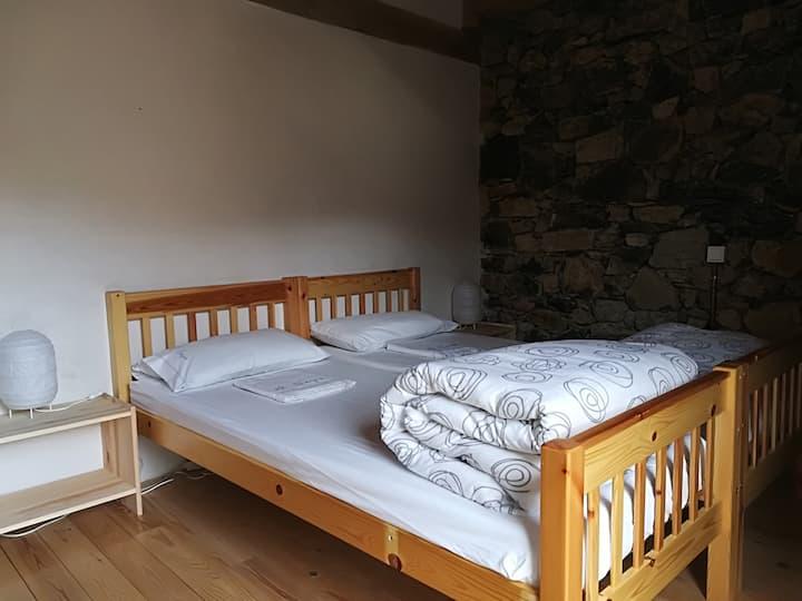 Habitació per 4 persones a l'alberg rural el Negre