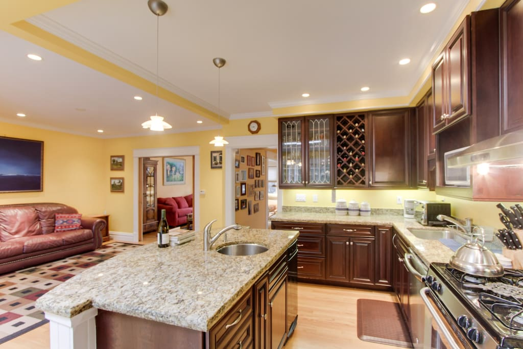 Gourmet kitchen comes fully equipped - a chef's dream!