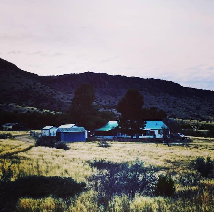 Cattlemen's Headquarters - A Luxury Ranch Retreat