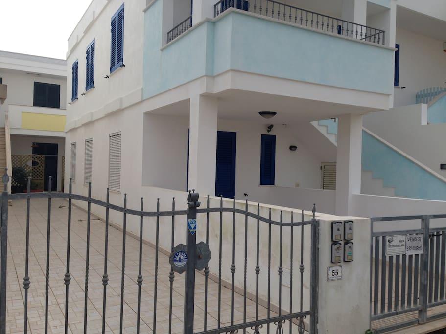 fronte casa con entrata privata