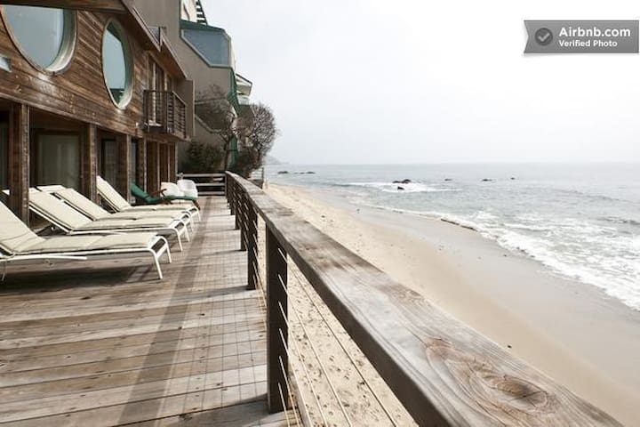 Beautiful Ocean Front Malibu house @ private beach
