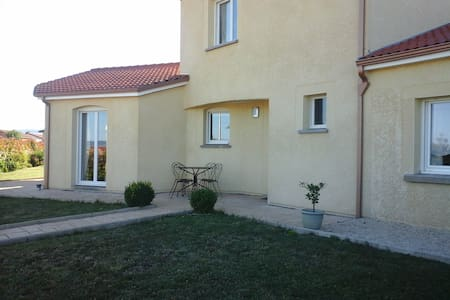 maison fonctionelle pour accuillir 1grande famille - Issoire
