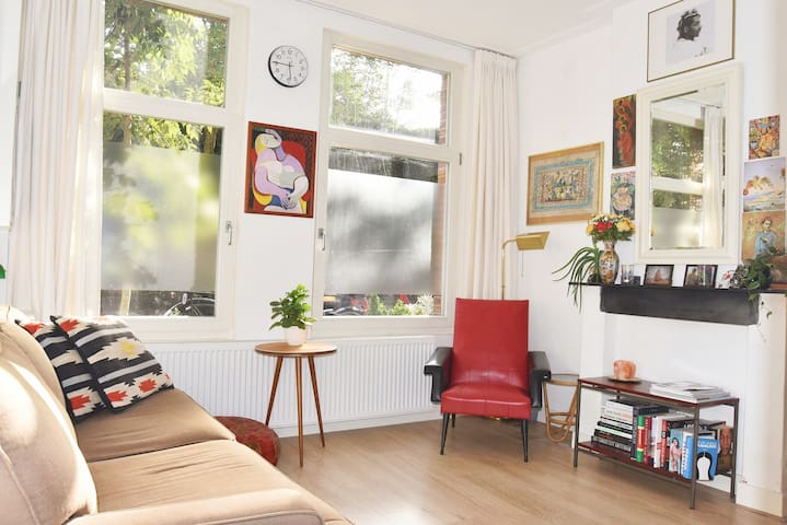 Lovely groundfloor apartment with garden