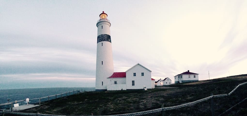 Maxs House ~ Point Amour Lighthouse - L'Anse Amour - Cabin