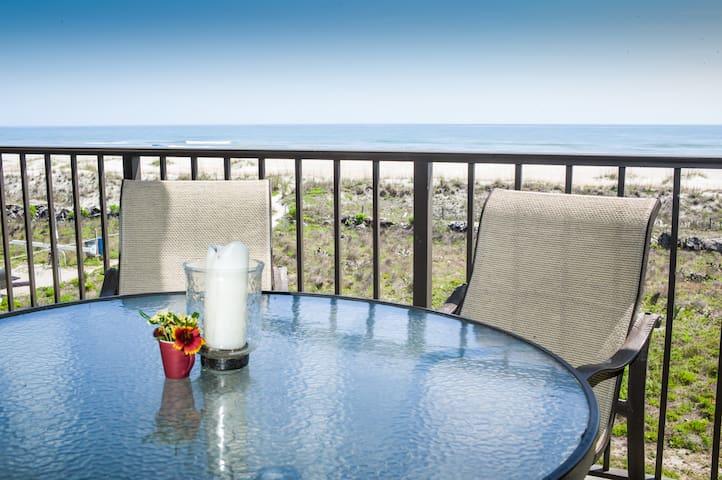 Ocean Front Condo w/ Large Balcony