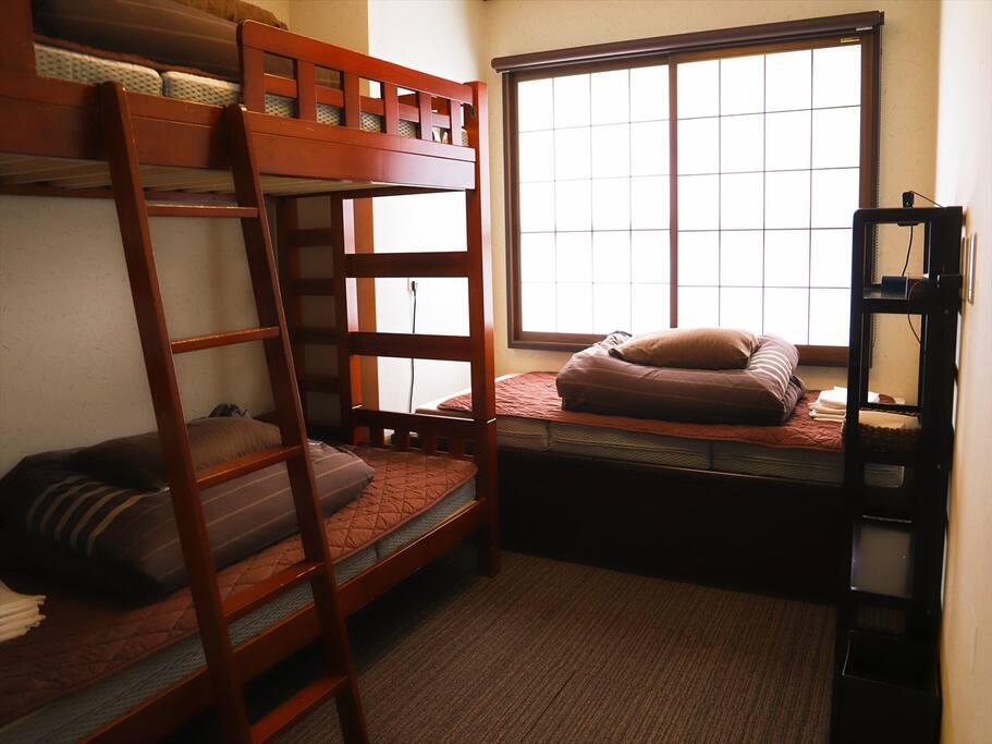 Room 2 : Triple Private Room