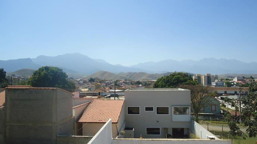 Vista da varanda do quarto grande para a Serra da Mantiqueira