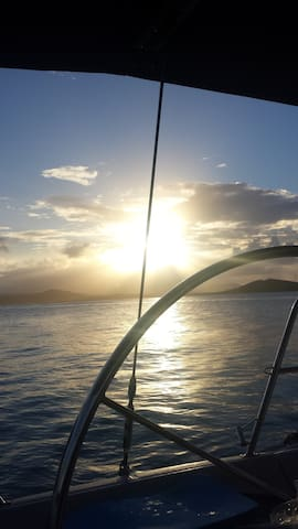 Rent a captain or a catamaran to visit the nearest small islands!