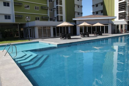 Designer Resort Studio with Pool - Mandaue City