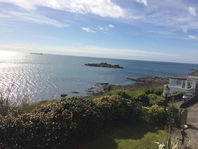 Large chalet in Mousehole overlooking Mounts Bay - Mousehole - Cabane