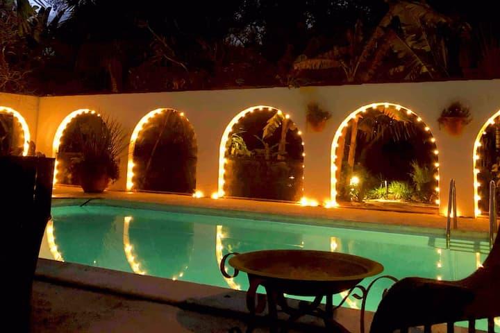 Coconut Casita. Peaceful Relaxing Tropical getaway
