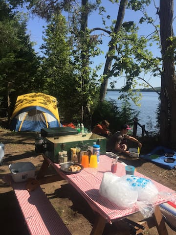 Tenting Sites: Lakeside Rice Lake