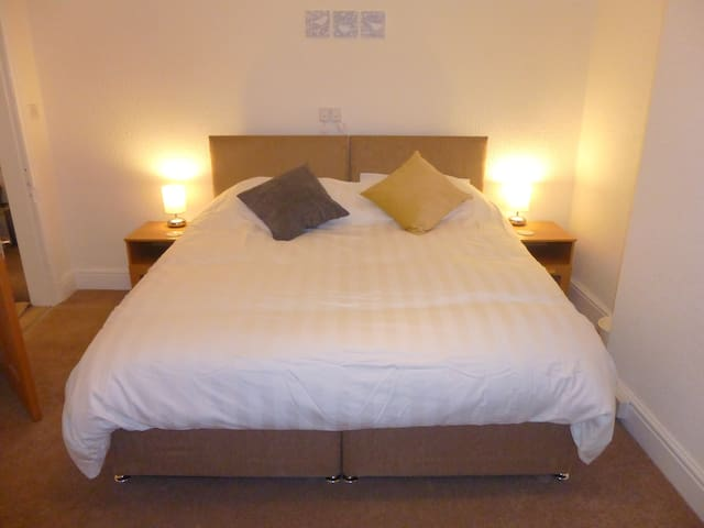 Beautiful Two Bedroom Apartment, Crosby, Liverpool