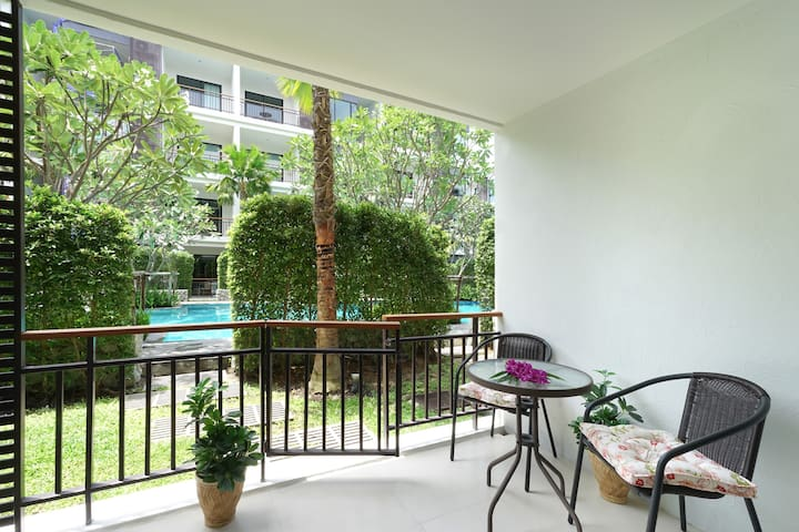 Terrace with pool access