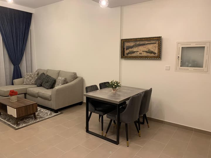 Fully Furnished 1 bedroom flat , Park Heights 2